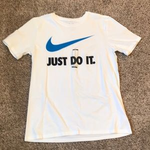Nike Just Do It White T-Shirt NWT Size M